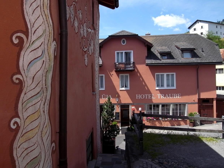traube_haupt-nebenhaus_01